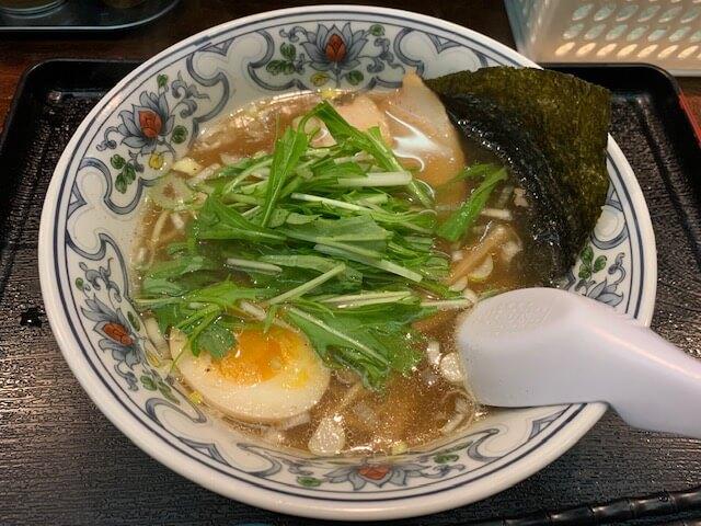 あっさり魚介系ラーメン「にぼらや」煮干しラーメンは一度で二度美味しい!熊本・新市街/ラーメン