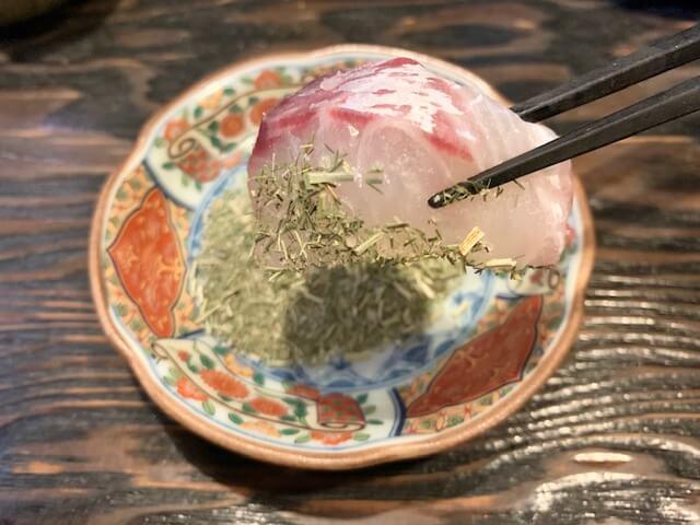 「魚からうろこ」全国各地から厳選された『お魚』『日本酒』等が味わえるお店。熟成魚の刺身盛りは魚本来の味が楽しめる。鹿児島・中央駅/魚料理・居酒屋